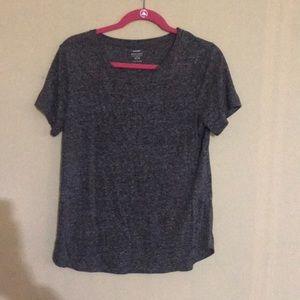 Grey old navy t-shirt